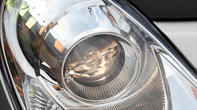 /image/20/9/peugeot_ion_automatic_lights.115209.jpg