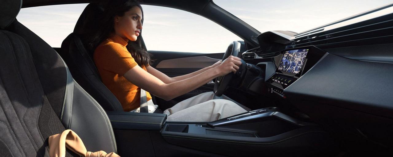 /image/86/9/driving-position-femme-rvb-ndp.794869.jpg